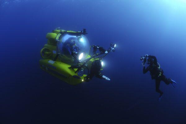 David Jones photographing submarines