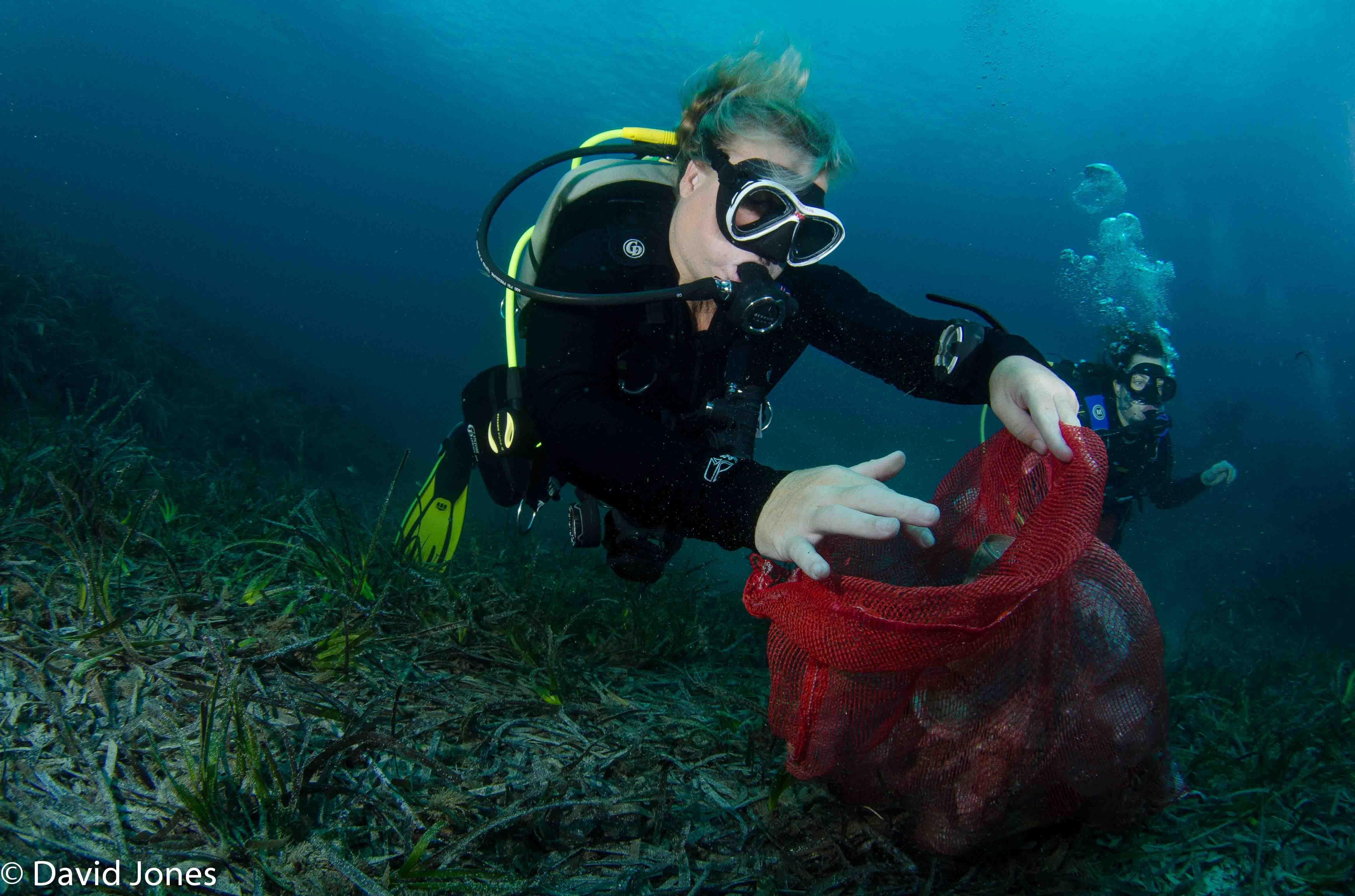 Collecting underwater plastic in Malta