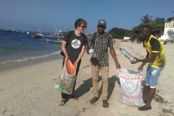 Zanzibar beach cleans